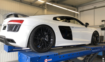 audi-r8-super-sport-cars-spureinstellung © GT-Automotive GmbH & Co. KG