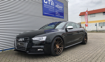 wheelforce-alufelgen-cf2-xdc-hr-23007_1-hoehenverstellbares-federsystem-audi-a5-s5 © GT-Automotive GmbH & Co. KG