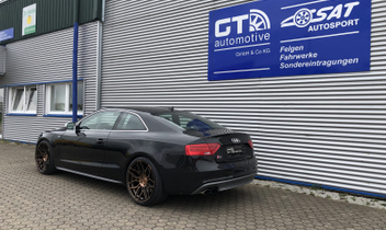 wheelforce-felgen-cf2-xdc-hr-23007_1-hoehenverstellbares-federsystem-audi-a5-s5 © GT-Automotive GmbH & Co. KG