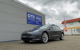 tesla-modell-3-spaccer-hoeherlegung-fahrwerkshoeherlegung © GT-Automotive GmbH & Co. KG