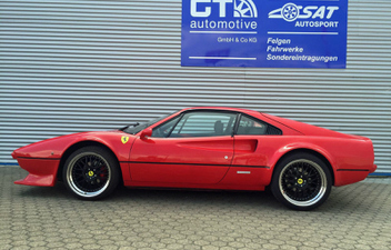 ferrari-308-18-zoll-kombi-cargraphic-sat-felgen © GT-Automotive GmbH & Co. KG