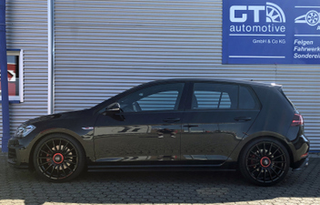 oz-superturismo-evolutione-gloss-black-und-red-lettering-vw-golf-7-gti © GT-Automotive GmbH & Co. KG
