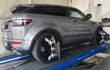 range-rover-evoque-spureinstellung-3d-achsvermessung © GT-Automotive GmbH & Co. KG
