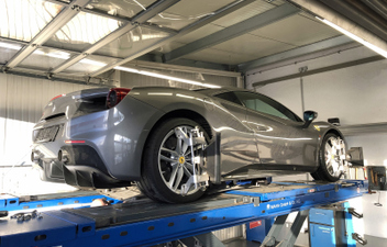 spureinstellung-3d-achsvermessung-super-sport-cars-ferrari © GT-Automotive GmbH & Co. KG