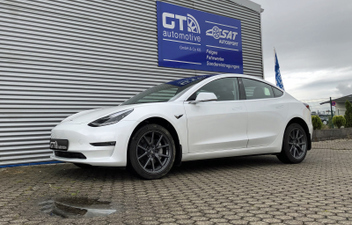 tesla-model-3-spaccer-hoeherlegung © GT-Automotive GmbH & Co. KG