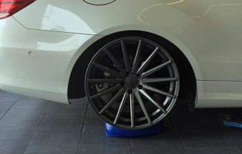 vossen-vfs2-gun-metal-gloss-anbauversuch-w207 © GT-Automotive GmbH & Co. KG