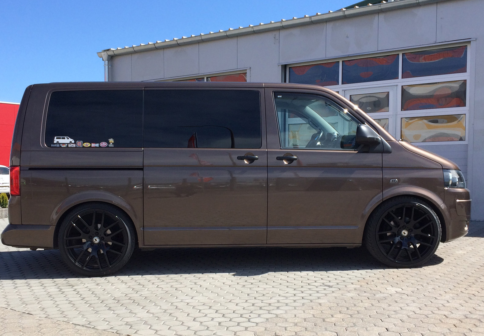 VW Bus Typ T5 Galerie by GT-Automotive GmbH & Co. KG